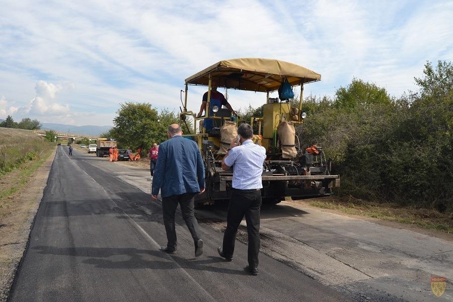 Се реконструира коловозот на влезот на Кочани