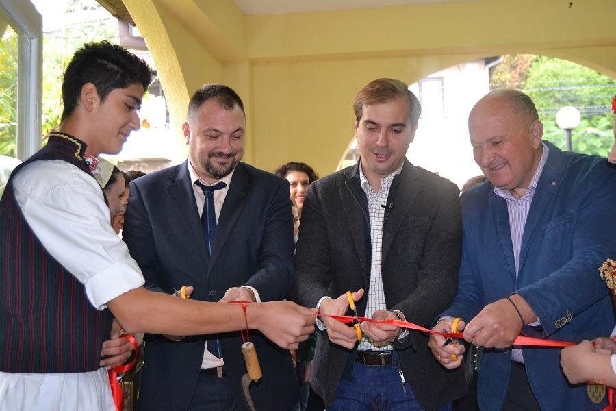 Министерот за труд и социјална политика Диме Спасов во Кочани го отвори Дневниот центар за деца со попреченост