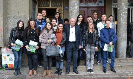 25 редовни студенти – нови стипендисти на Општина Кочани
