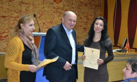 Врачени потврдите за учесниците во проектот Општинско корисна работа