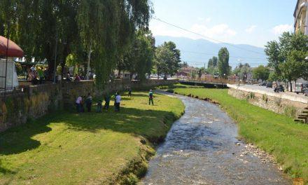 Акција за расчистување на отпадот во коритото на Кочанска Река и во Паркот на револуцијата