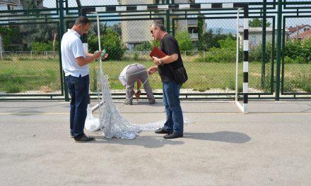 Се поправаат оштетувањата на повеќенаменските игралишта во Кочани