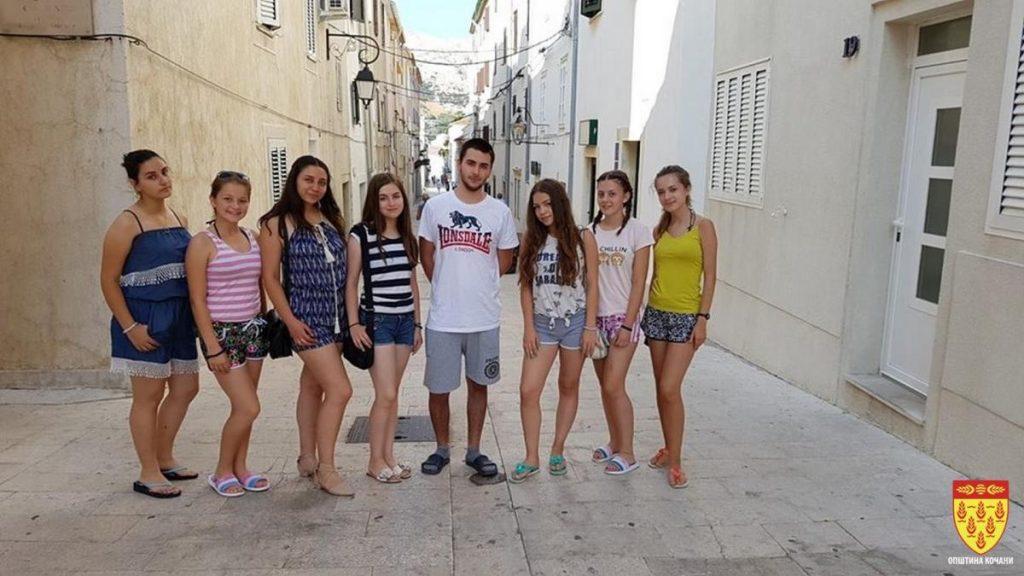 Учениците на генерацијата од Кочани летуваат на хрватскиот остров Паг