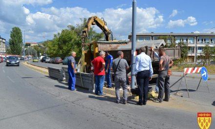 """Се градат жардиниери на улиците """"Никола Карев"""" и """"Тодосија Паунов"""""""