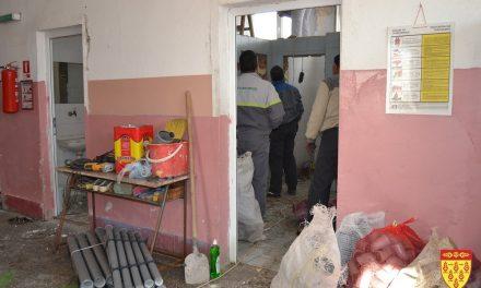 """Се санираат тоалетите во училиштата """"Никола Карев"""" и """"Крсте Мисирков"""" – најавени инвестиции во сите кочански основни училишта"""