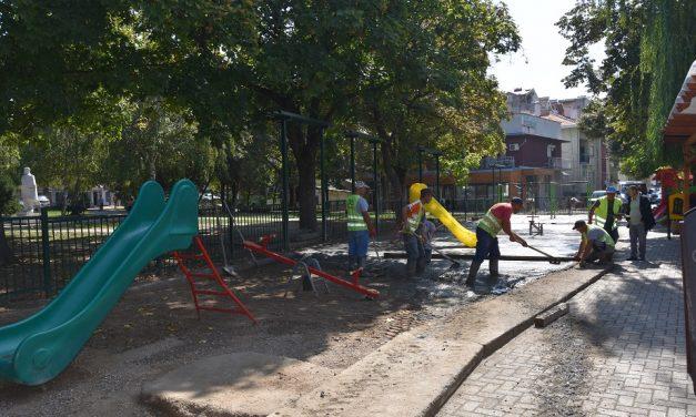 Гумена подлога за детското игралиште во Градскиот парк