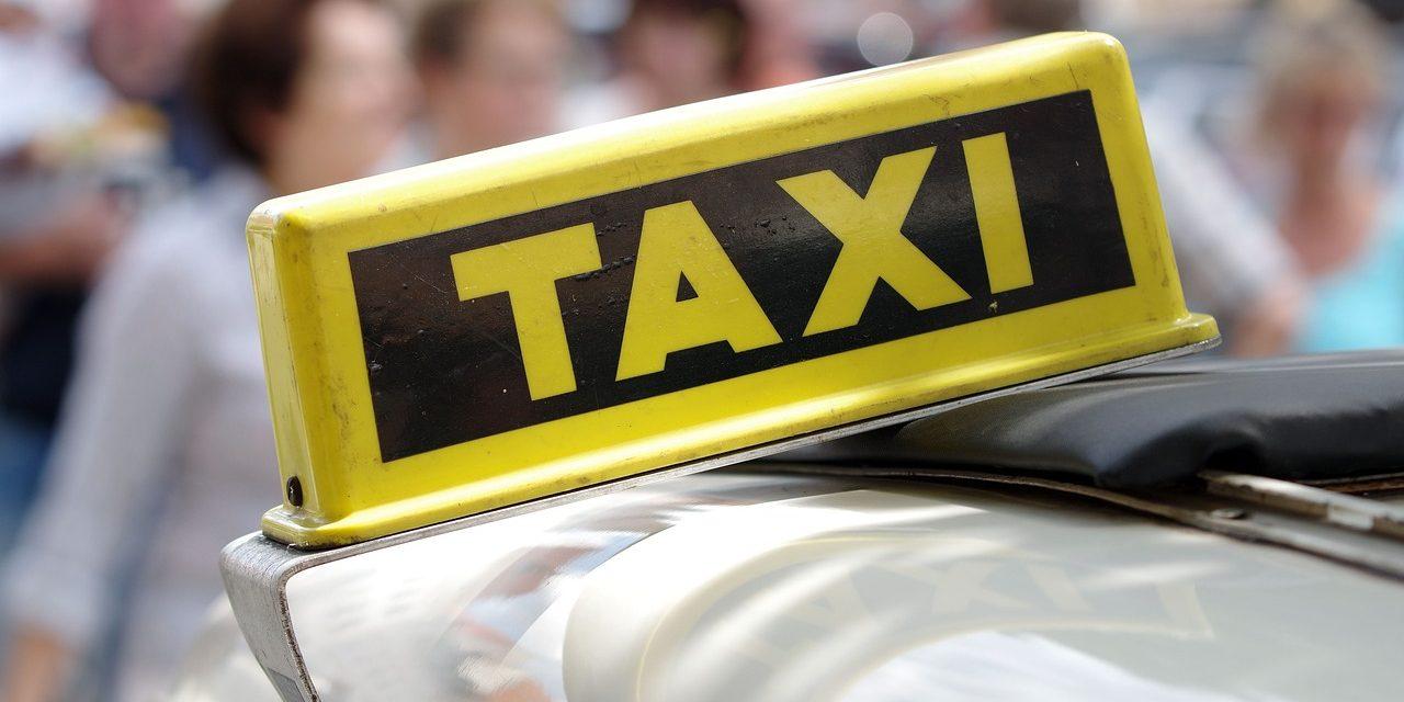 Јавен повик за распределување на лиценци за авто такси возила