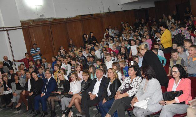Првачињата од Кочани станаа членови на Детската организација