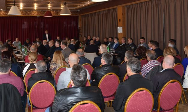 Градоначалникот Илијев на работна средба со кочанските стопанственици