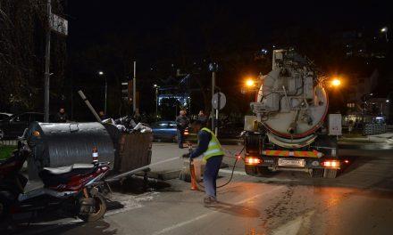 Дезинфекција на улиците во Кочани – мерка против КОВИД-19