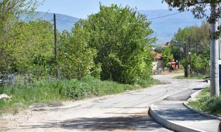 Aсфалтирањето на патот од Подлог до Мојанци продолжува и на 7 мај – сообраќајот е слободен