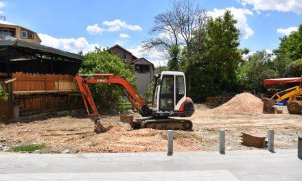 Почна да се гради детското игралиште во Трговскиот центар