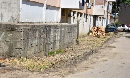 """Расчистен просторот зад зградата на """"Бетон"""""""