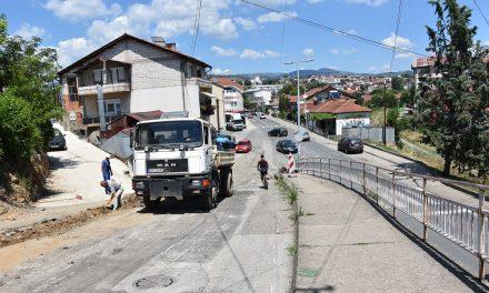 Почна реконструкцијата на седум улици во градот Кочани