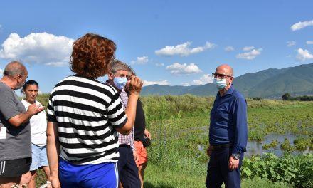 Министерот Димковски на увид на поплавените земјоделски површини во Кочанско