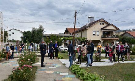 Во Кочани за четири илјади ученици почна новата учебна година