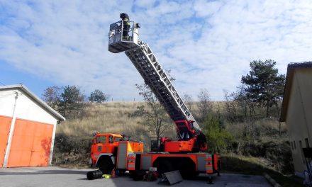 Донација на противпожарно возило од противпожарната служба на Крањ и Општина Крањ