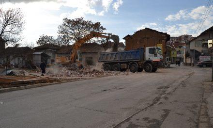 """Урнат уште еден објект на улицата """"Стево Теодосиевски"""" – нови кружни текови на """"Тодосија Паунов"""""""