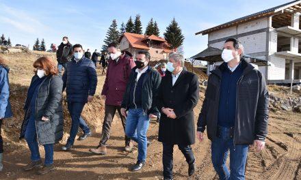 Премиерот Заев во посета на Кочани: Пониква станува атрактивен зимски центар