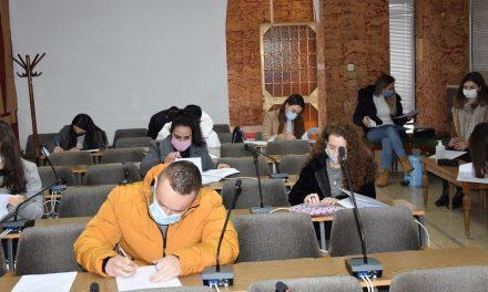 Дваесет и четворица студенти ќе користат стипендии од Општина Кочани