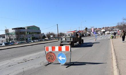 """Почна изградбата на три кружни текови на булеварот """"Тодосија Паунов"""" во Кочани"""