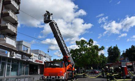 Тактичко-показна вежба на висококатница – ТППЕ-Кочани го одбележа Денот на македонските пожарникари